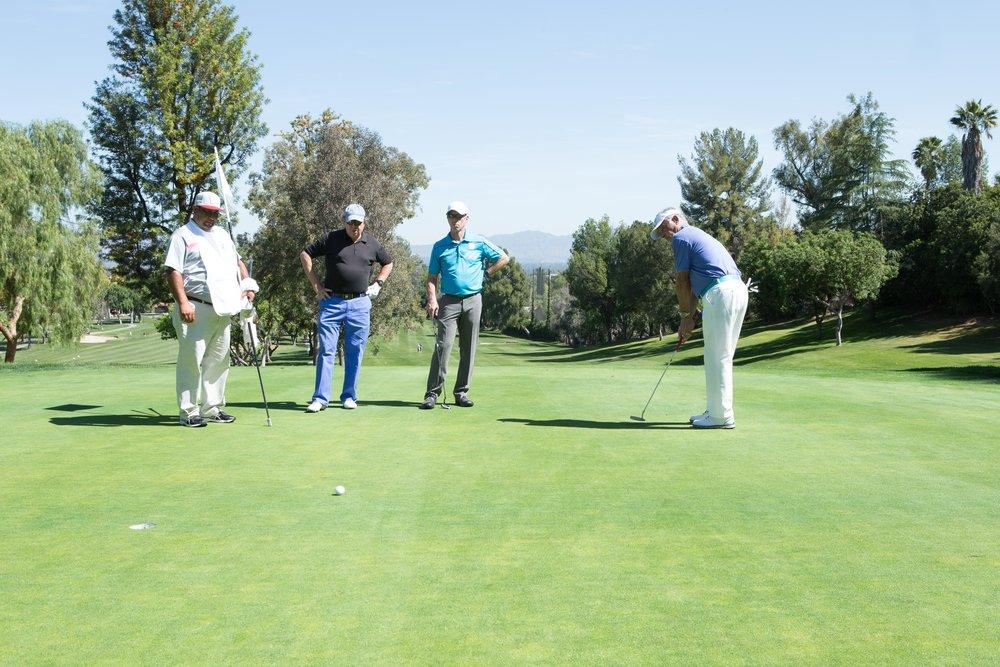 IMG_7807-Ron & golfers.jpg