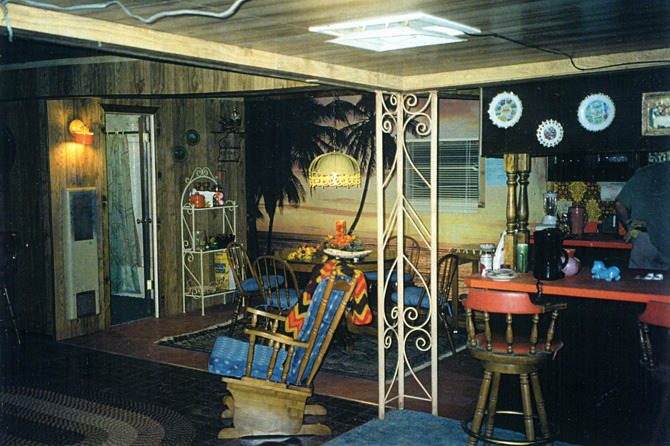 Sonny's (Matthew Modine) trailer interior, built on stage.