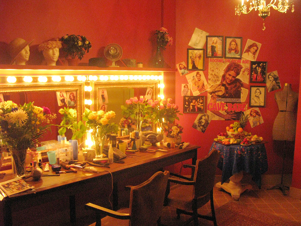 Backstage Broadway dressing room for Sharpay's (Ashley Tisdale) evil nemesis Amber Lee Adams (Cameron Goodman) stage set.