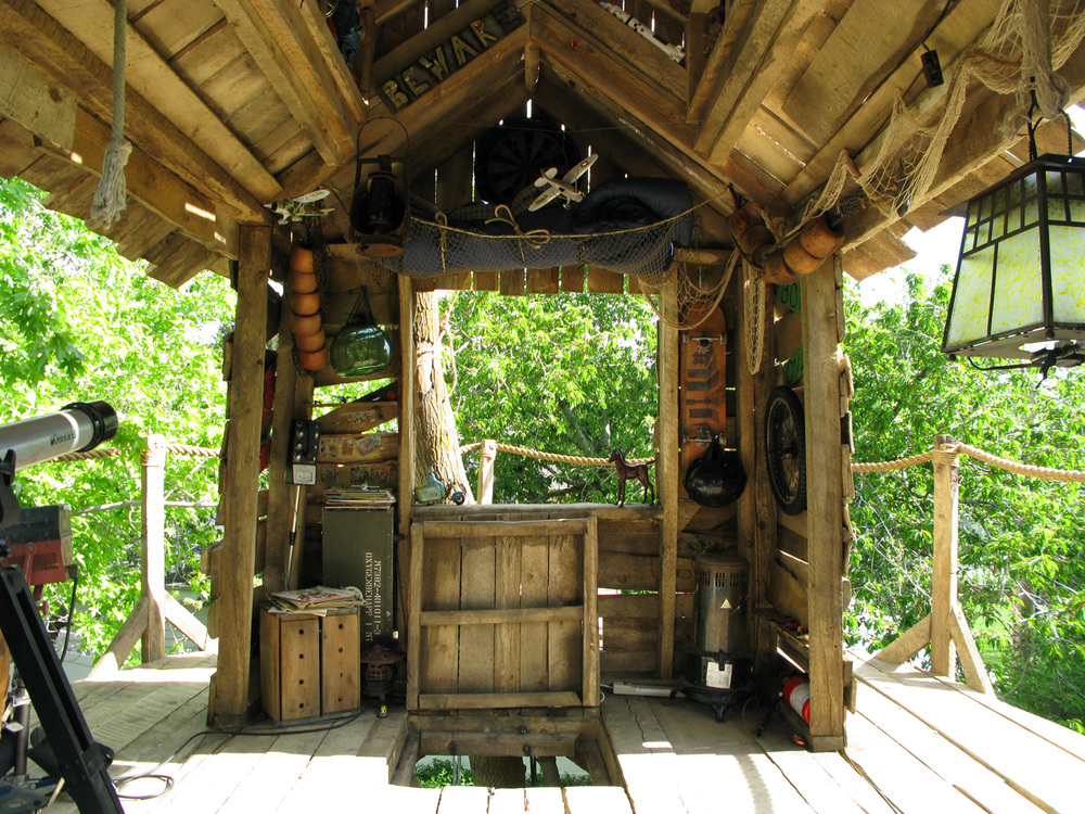 Interior of Troy's (Zac Efron) treehouse.