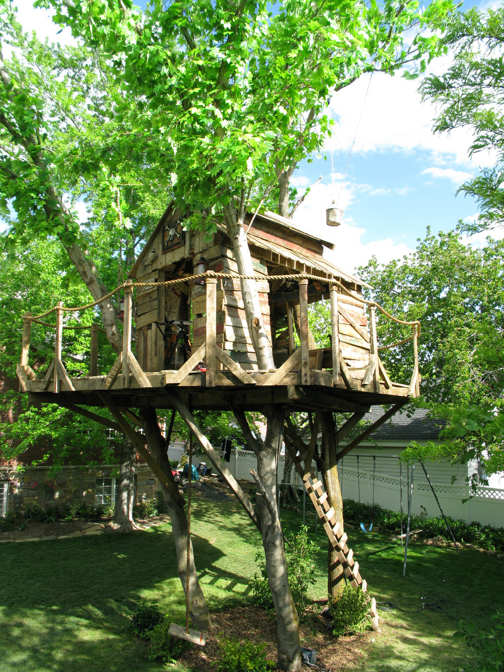 "A photo of the completed treehouse from ""High School Musical 3"" (2008). The oversized deck was required to accommodate the choreography for the musical number ""Right here, right now""."