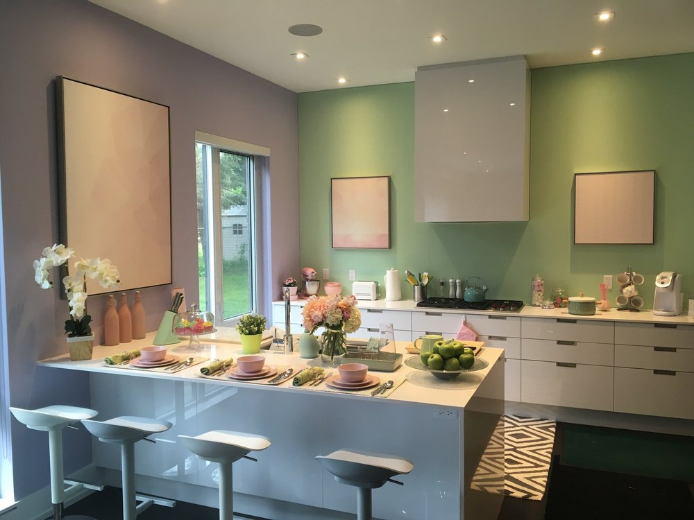 Addison's (Meg Donnelly) family kitchen.