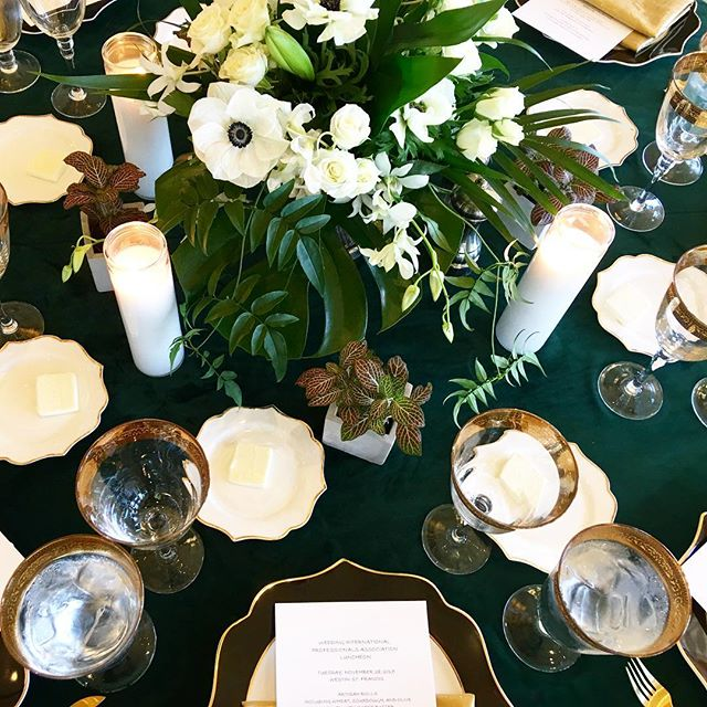 The holidays are in full effect and quickly buzzing by, so we're stopping to take in skme@of the beauty from last week's WIPA event designed by @bellanottecindy. Thanks so much for asking us to be a part of such a gorgeous lunch!
