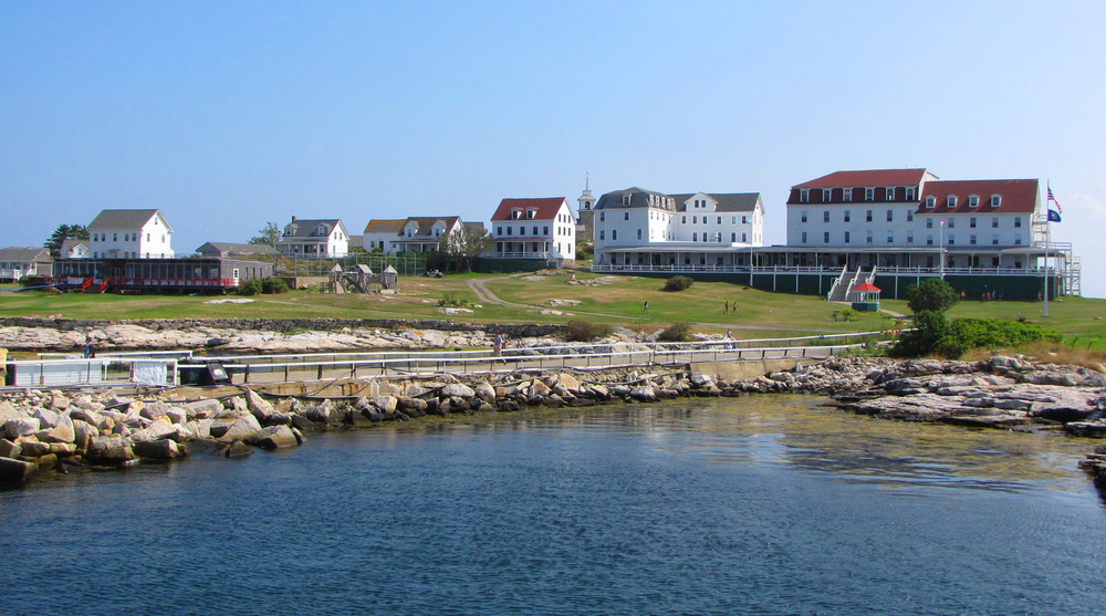 Star Island - Oceanic Hotel 2013.jpg