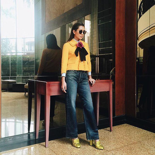 Schoolgirlish charm, via Instagram  @lizzzuy