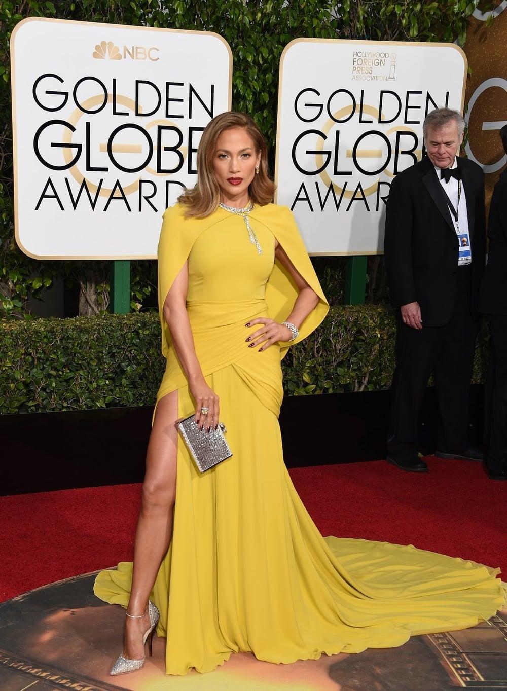 Jennifer Lopez in Giambatista Valli.