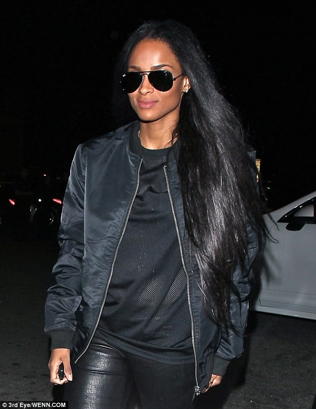 Ciara in all black errythang / Via  Daily Mail