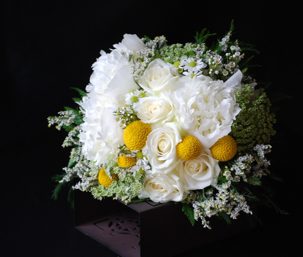 Floral Design by Lili, Bridesmaid bouquet