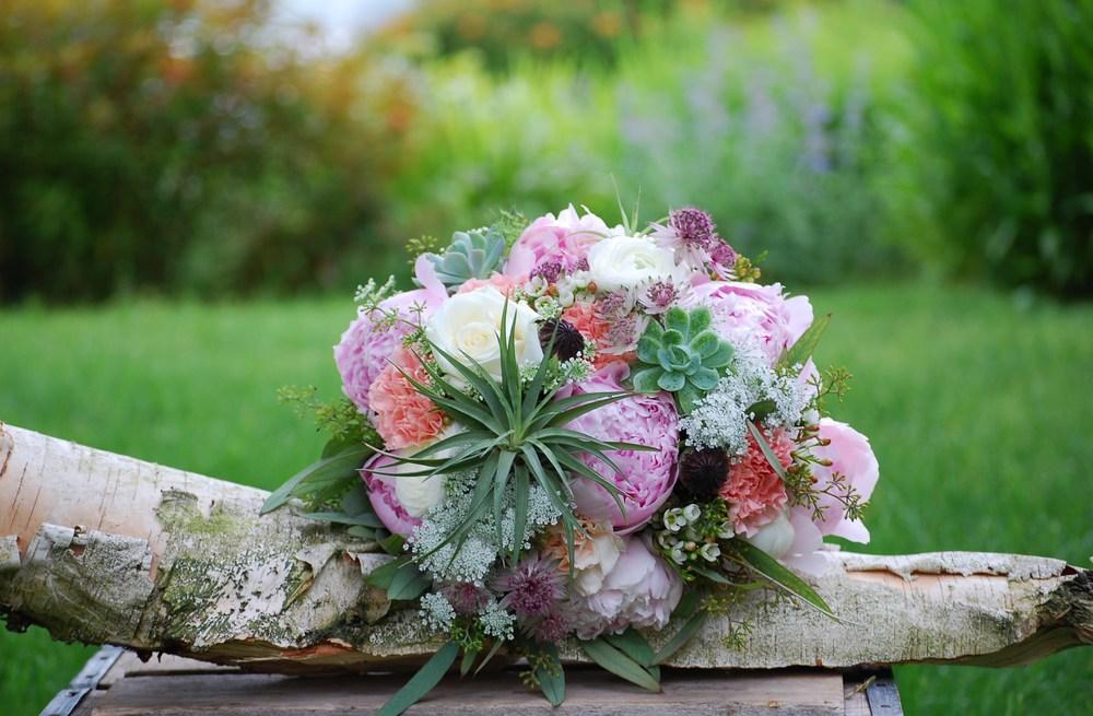 Floral Design by Lili , Bride's bouquet