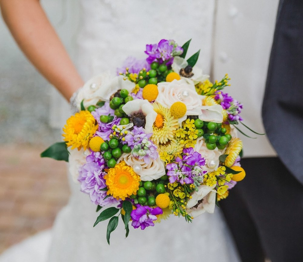 Summer bridal bouquet by Floral Design by Lili in Abbotsford, British Columbia.