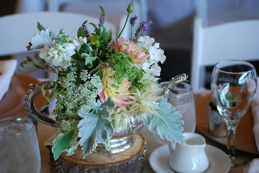 Rustic wedding centrepiece by Floral Design by Lili , Fraser Valley wedding florist