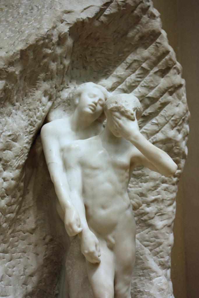 """Orfeu e Eurídice, Rodin, 1893. Orfeu é descartado por Platão como exemplo negativo de amante. Os deuses pensavam que ele era  soft :  tratava-se apenas de um músico,que não teve a coragem de morrer de verdade por Eurídice, recorrendo a um subterfúgio para descer ao Hades que lhe permitiu entrar no submundo sem estar de facto morto (cf. a este respeito o conto de M. Kundera, """"Symposium"""": """"No fim do verdadeiro amor está a morte, e só o amor que termina na morte é amor.""""). Segundo Platão, o castigo que os deuses reservam a Orfeu pela transgressão é a morte às mãos de mulheres."""