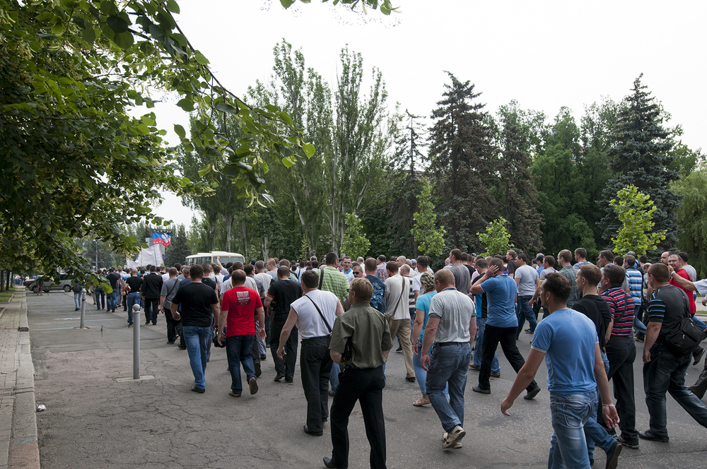 Miners rally in favor of the Donetsk People's Republic