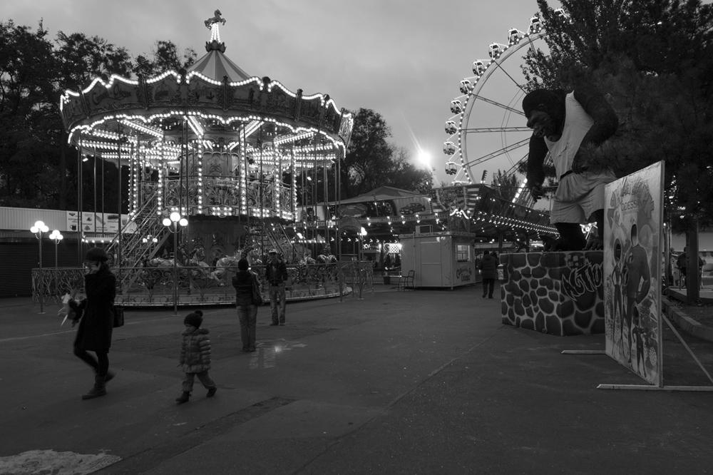 King Kong guarding the entrance of Odessa's Fair