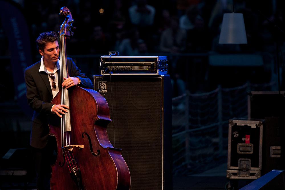 Double bass player at Les Rendez-vous de l'Erdre in 2013.