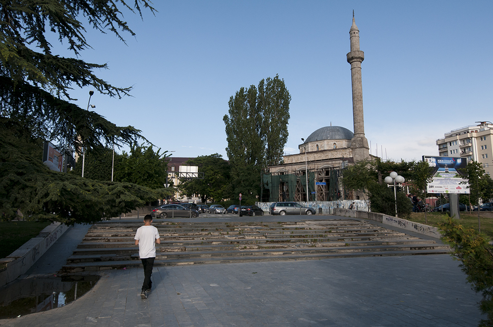 Çarshisë Mosque under renovation.