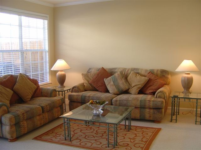 Living Room 31.JPG