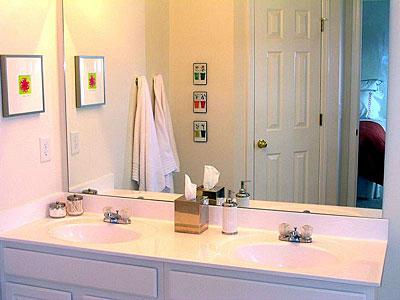 Bathroom Master - Townhomes.jpg