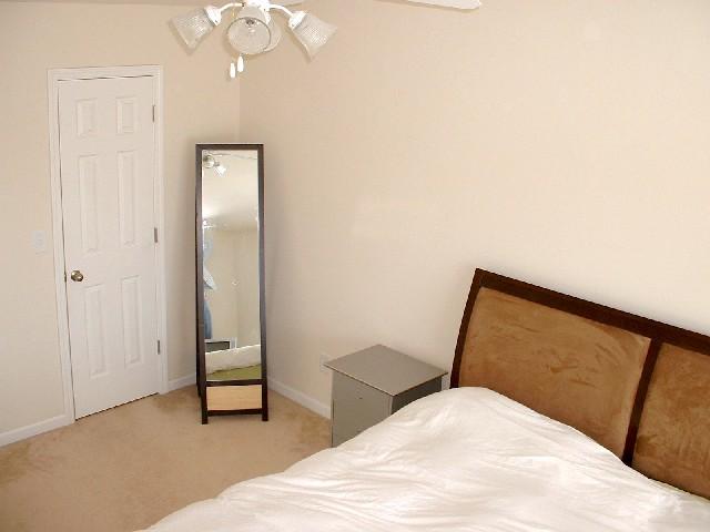 Bedroom Master 2-Townhomes.JPG