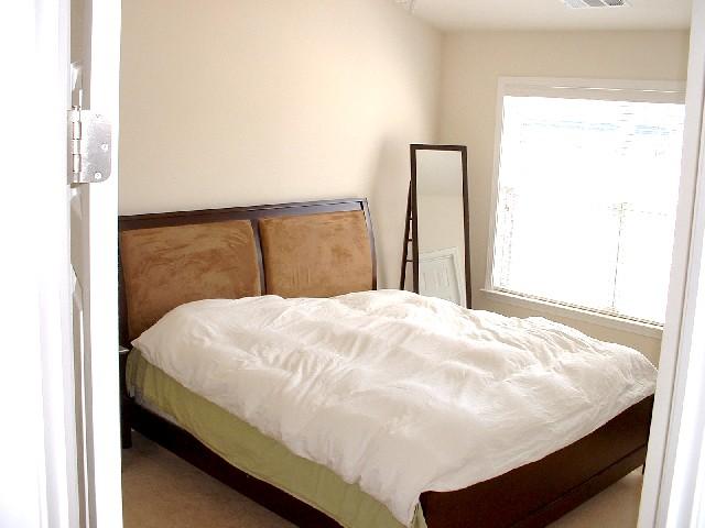 Bedroom Master-Townhomes.JPG