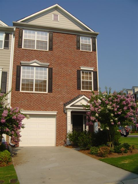 Exterior4-Townhomes.JPG