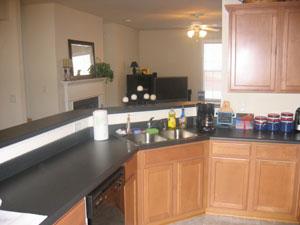 Kitchen 17-Townhomes.jpg
