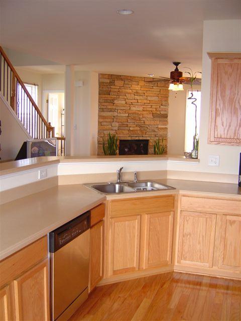 Kitchen5-townhomes.JPG
