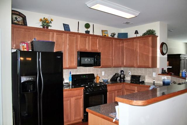 Kitchen17-Townhomes.jpg