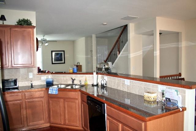 Kitchen18-Townhomes.jpg