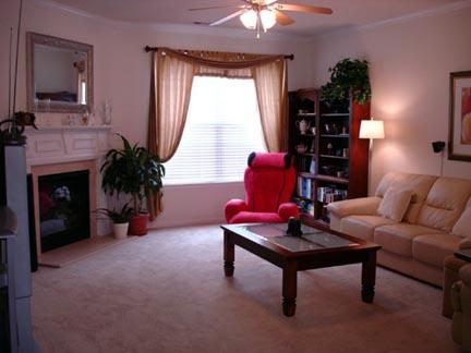 Living Room14-Townhomes.jpg