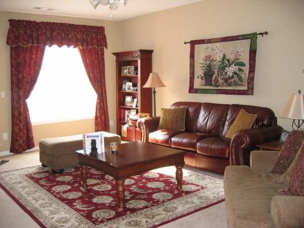 Living Room17-Townhomes.JPG