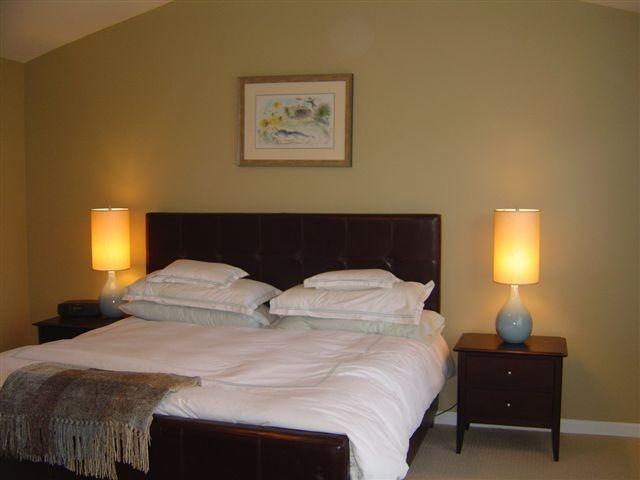 Bedroom Guest - Townhomes 25.JPG