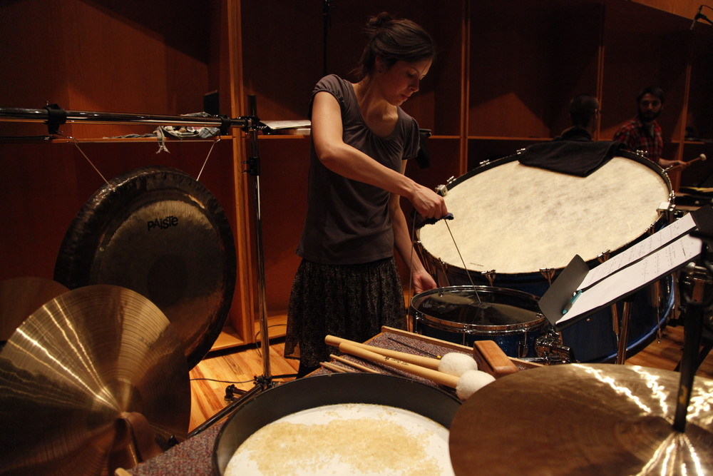 Kaylee Bonatakis plays the lion's roar