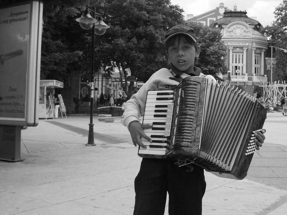 accordian boy bw 1.jpg
