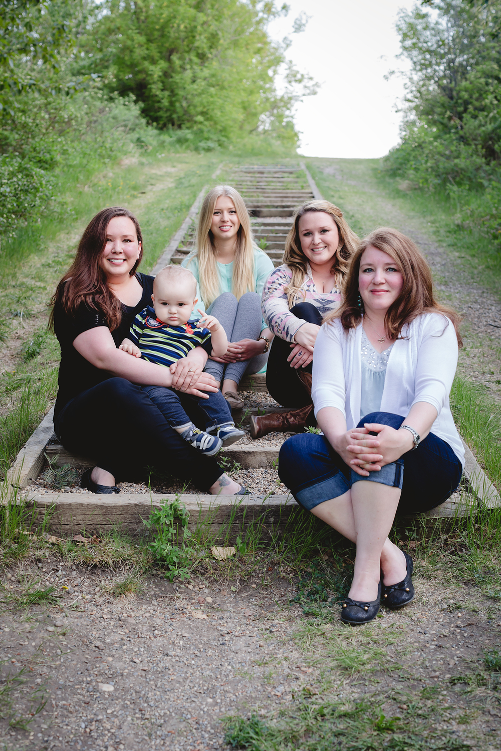 Extended_Family_Baby_Sherwood-Park_YEG_Photography_Strathcona-Science-Provincial-Park_Holmes_Girls