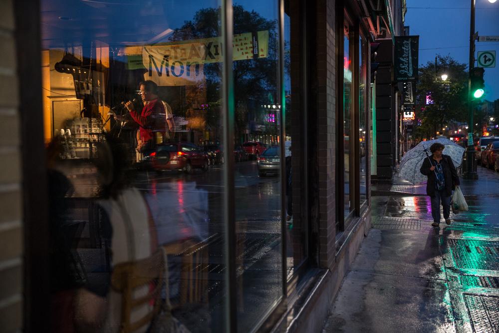 Le moulin à parole, lors de la soirée de fermeture, au bar Les Bobards.