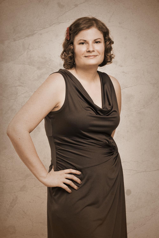 J'ai réalisé plusieurs portraits individuels, dont celui-ci de Gabrielle Droucy.