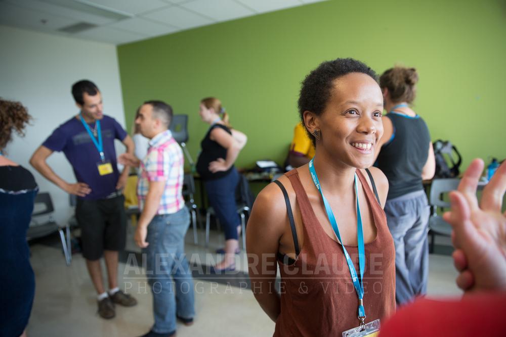 Une participante à l'activité «Improvisation et leadership avec Joëlle Sarrailh, improvisatrice en exploration ».