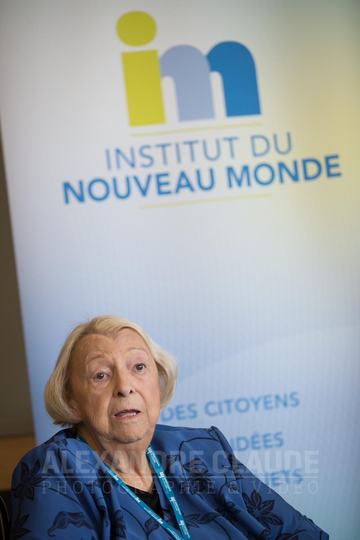 Lise Payette, lors d'un d îner-conférence avec Émilie Guimond-Bélanger.