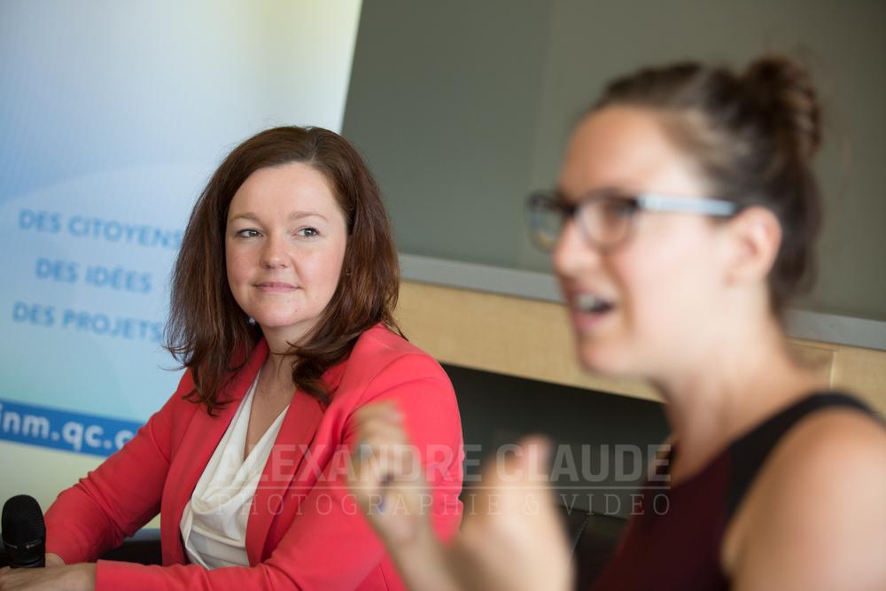 Priscilla Plamondon Lalancette, chef d'antenne du Téléjournal Saguenay-Lac-Saint-Jean anime le d îner-conférence avec Lise Payette et Émilie Guimond-Bélanger.