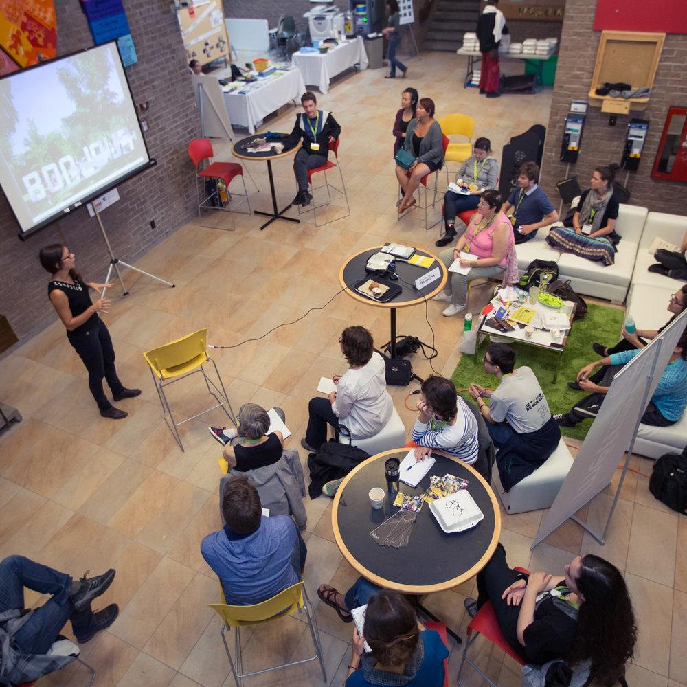 Atelier durant l'École d'été de l'INM, en 2014.