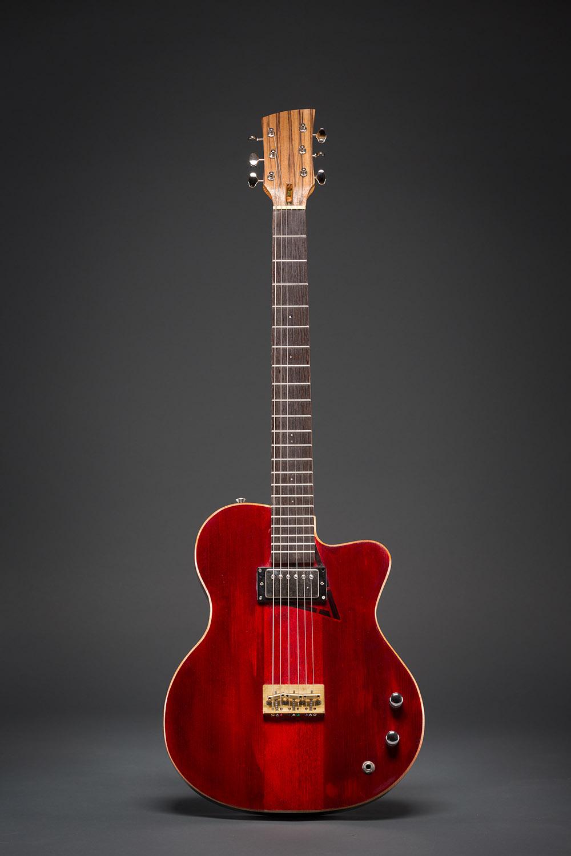 Les guitares de Gabriel Valiquette-Savoie