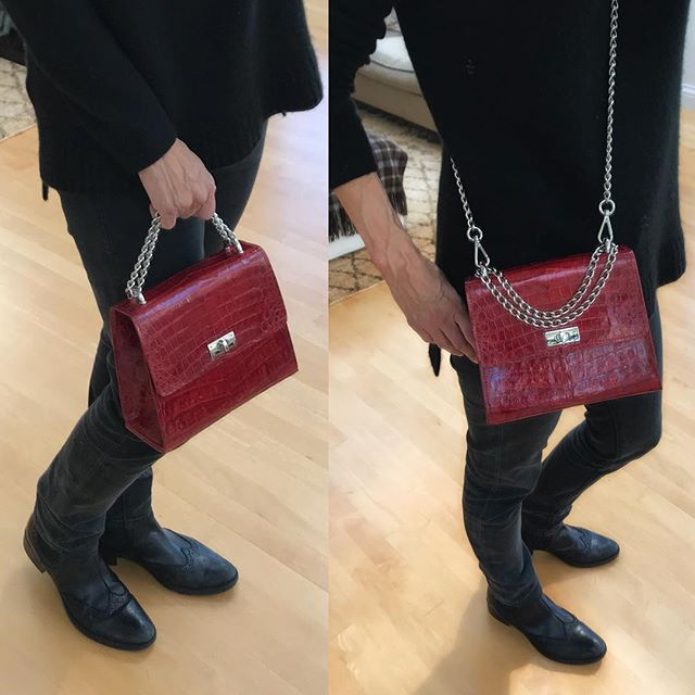 Just received the updated Chelsea cross-body for one of my clients...new handle❣️#mystyle #crossbody #fashionbag #handbag #womenstyle #womensfashion #redisthecolor