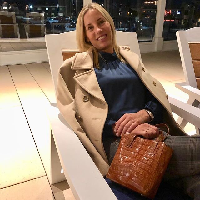 TBT...The Mini Cocktail Tote perfectly styled...classic, elegant & chic with a touch of croc❣️#womensfashion #minitote #handbags #chic #timelessstyle #mystyle #womenstyle #stylish #elegant