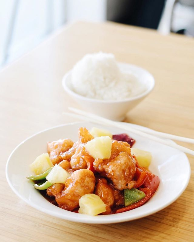 Give your tastebuds a treat with our delicious Sweet and Sour Chicken! . . . #delicious #yummy #tasty #instafood #foodstagram #newmenu #upgrades #chinesefood #goodeats #laeats #ucla #westwood #phaat #treatyoself #realfood #nomnom #eeeeeats #koalatcafe