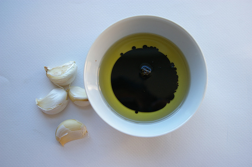 balsamic oil and garlic.jpg