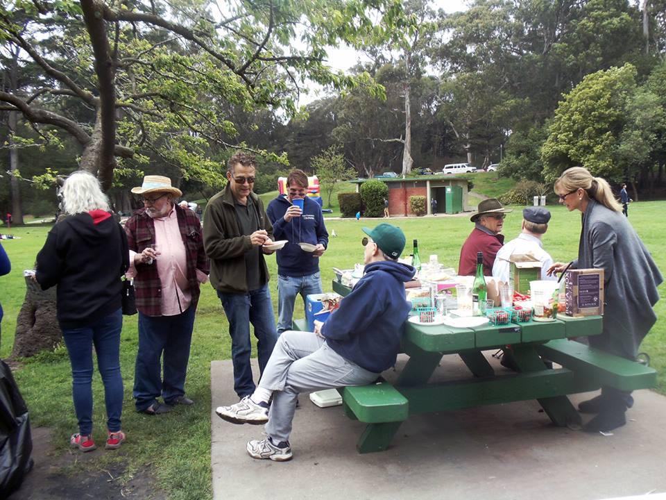 lunchatpark6.jpg