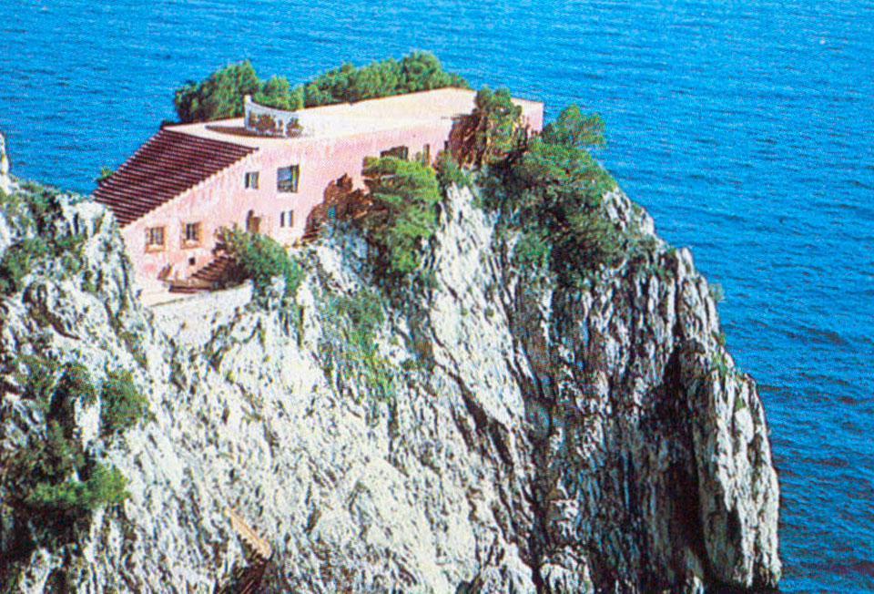 Homes casa malaparte by adalberto libera aestate for Villa curzio malaparte