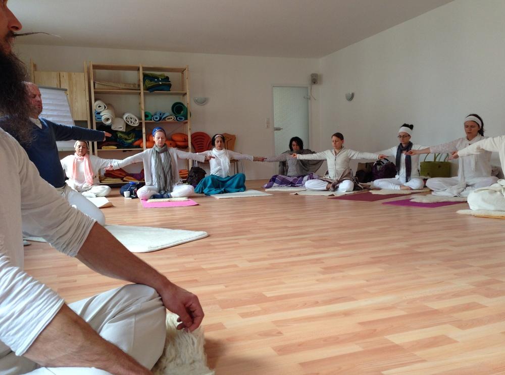 fra yoga day'14.JPG