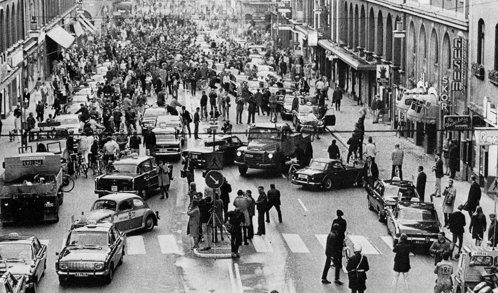Kungsgatan, Stockholm, on Dagen H, September 3, 1967 (Source: 99% Invisible, H-Day)